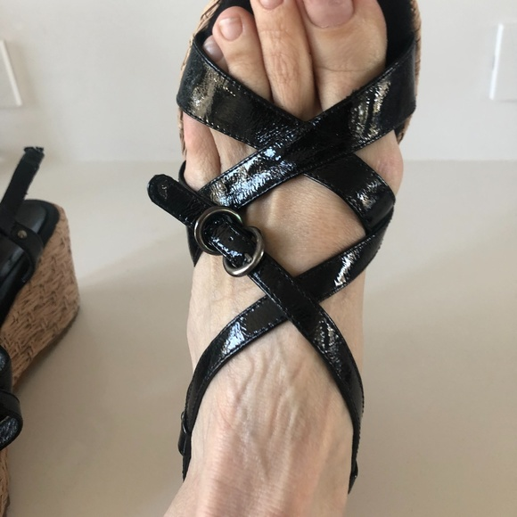 Aquatalia Raffia Wedge Patent Sandals 9